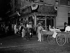 Daniel's Bar & Grill circa 1939