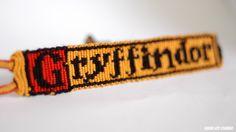 Photo of Pattern Gryffindor - Patterns - Bracelets Harry Potter Friends, Harry Potter Diy, Harry Potter Hogwarts, Thread Bracelets, Ankle Bracelets, String Bracelets, Embroidery Bracelets, Diy Friendship Bracelets Patterns, Alpha Patterns