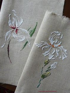 Love these designs, white and green on this fabric gives it an elegant look.
