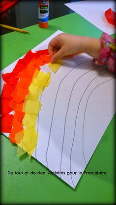 Everything and nothing: preschool activities: painting rainbows with bleeding tissue - painting rain Craft Activities For Toddlers, Easy Preschool Crafts, Free Preschool, Infant Activities, Toddler Preschool, Easy Crafts, Diy For Kids, Crafts For Kids, Diy And Crafts Sewing