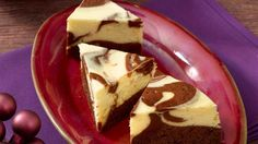Chocolate meets cheesecake: the cheesecake corners taste just as heavenly as they look! The post Juicy cheesecake corners appeared first on Daisy Dessert. Healthy Dessert Recipes, Keto Recipes, Cake Recipes, Cheesecake, Calories, Eating Plans, Food And Drink, Sweets, Cakes