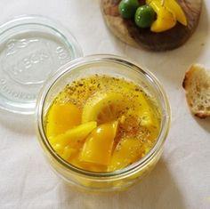 ビタミンカラーの塩レモンピクルス+by+ささき+礼奈さん+ +レシピブログ+-+料理ブログのレシピ満載! ++  おはようございます。  日常が帰ってきましたね。。  今日は、休日明けの疲れを癒してくれるような  パッと明るい黄色のピクルスを作りましょう。  塩レモンを使うとレモンの香りが爽やかな  スッ...