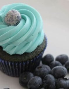 Blueberry Cupcakes | foodgio #recipes #cupcakes