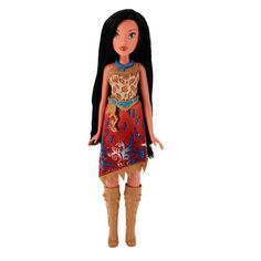 Disney Princess Royal Shimmer Pocahontas Doll is dressed beautifully in her classic outfit with a new shimmering twist. Royal Shimmer Pocahontas dazzles in a cream, jewel-ombre gown with glitter print detailing. Disney Princess Ages, Princess Pocahontas, Disney Pocahontas, Little Princess, Royal Princess, Toys R Us, Kids Toys, Ombre Gown, Cinderella