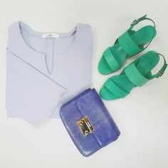 Let's make this Monday super glamorous! 💙 @valettidesign Viola blouse. 💙Spazio green leather sandals with chunky heel. 💙@NinetyJoyeria clutch in Galuchat leather.  #CherryHeel #Luxury #Shoes #clothes #fashion #bags #accessories #galuchatleather #stingray #bag #green #sandals #MadeinItaly #ootd #blogger #girl #style #summer #glamour #барселона #шоппинг #итальянскаяобувь #сандали #босоножки #лето