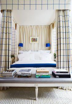 Bedroom curtains Blue Bedroom Paint, Pink Bedroom Decor, Master Bedroom Interior, Pink Bedrooms, Home Bedroom, Teen Bedroom, Bedroom Ideas, Architectural Digest, Picasso