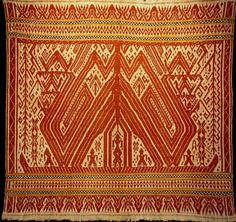 Tampan ritual cloth. Late 19th C. Handspun cotton. This unusual sailing ship with large sails and birds has human passengers. Collection date: Mar 1977. (DT) South Sumatra, Indonesia Source : http://www.indonesiatravelingguide.com/sumatera-traditional-textiles/south-sumatra-textiles/