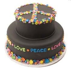 Peace and Love Cake Peace Sign Party, Peace Sign Cakes, Peace Cake, Hippie Birthday, Hippie Party, Woodstock, Cupcakes, Cupcake Cakes, Beautiful Cakes
