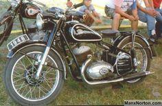 Csepel 250cc Twin [Hungary] Old Bikes, Classic Bikes, Cars And Motorcycles, Motorbikes, Twins, Vehicles, Google, Street Bikes, Biking