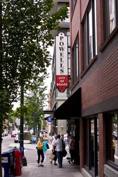Powell's Books... The World's Largest Independently run bookstore!