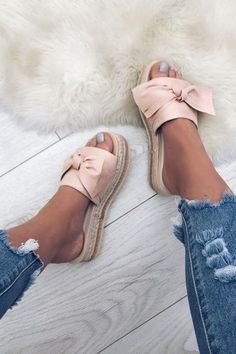 Women Bow Espadrilles Platform Mules Shoes flats outfit flats shoes flats outfit work loafers outfit loafers for women how to wear loafers How To Wear Loafers, Loafers Outfit, Loafers For Women, Outfit Jeans, Espadrilles Outfit, Women's Loafers, Loafer Shoes, Mules Shoes Flat, Gladiator Shoes