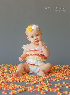 Halloween Portrait using candy corn - soooo stinking cute!