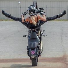 Harley Davidson News – Harley Davidson Bike Pics Stunt Bike, Lady Biker, Biker Girl, Moto Biker, Motorbike Girl, Cool Motorcycles, Biker Chick, Car Girls, Beast