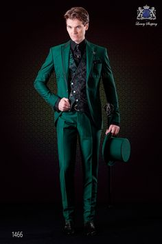 Italian wedding suit green with satin contrast Ottavio Nuccio Gala Suit Fashion, Green Fashion, Mens Fashion, Green Wedding Suit, Wedding Suits, Suit Guide, Mode Costume, Designer Suits For Men, Formal Suits