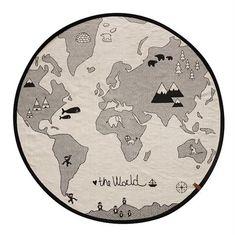 Det skønneste tæppe til børneværelset The World, perfekt til at lege på og som giver et smuk twist til værelset  For alle solgte enheder af Oyoy World tæppe, går en del af salget til WWF til beskyttelse af isbjørne  Mål: D 135 cm Materiale: Bomuld Farve: Offwhite og sort  Sendes med GLS