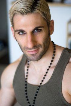 Entrevista a #SirJET en HomoTown.com: http://homotown.com/sir-jet-en-castellano/