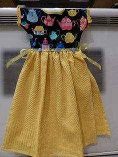 Items similar to Handmade Hanging Kitchen Towel Dress for Oven/Stove Handle Yellow Teacup Kettles Pattern on Etsy Kitchen Towels Crafts, Towel Crafts, Towel Dress, Towel Apron, Small Sewing Projects, Sewing Hacks, Sewing Tips, Yellow Towels, Clothespin Bag