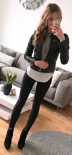 winter outfits leggins black leather zip-up jacket Outfits Leggins, Leather Jacket Outfits, Black Jacket Outfit, Black Pants, Leather Pants, Mode Outfits, Casual Outfits, Fashion Outfits, Black Women Fashion