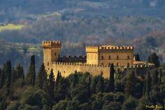 Toscana -  - Poggibonsi (Siena), Castello di Strozzavolpe