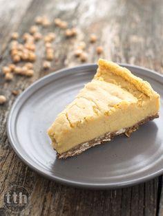 Cheesecake with chickpeas - recipe (vegan, gluten-free, sugar-free) Vegan Chickpea Recipes, Raw Food Recipes, Gluten Free Recipes, Sweet Recipes, Dessert Recipes, Vegan Cheesecake, Cheesecake Recipes, Vegan Treats, Healthy Sweets