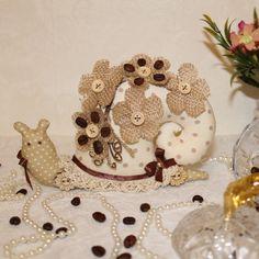 Кофейная Тильда Улитка Gingerbread Cookies, Desserts, Food, Gingerbread Cupcakes, Tailgate Desserts, Deserts, Essen, Postres, Meals