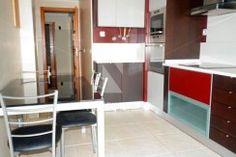 Excelente Apartamento T3 semi-mobilado situado na zona envolvente da Urbanização Varandas do Montijo.