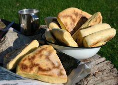 Proziaki z koperkiem o nucie chili. Kefir, French Toast, Breakfast, Ethnic Recipes, Food, Morning Coffee, Essen, Meals, Yemek