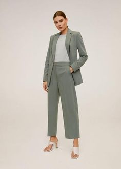 Mango Cropped pantalon - online shoppen - Fashionchick.nl Baggy Trousers, Trousers Women, Beige Suits, Pantalon Costume, Wishlist Shopping, Mango Fashion, Manga, Pants Outfit, Latest Trends