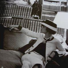 Une française qui révolutionne la mode et la façon féminine... La merveilleuse Coco /Costume jewlery, the virile white suit, sun-kissed skin, and the little back dress ... Ladies, you owe it all to her.