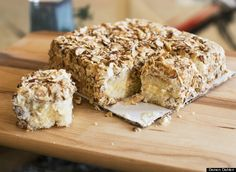 This is a copycat recipe I found in the paper of the famous Burnt Almond Torte from Prantl's bakery in Shadyside, a neighborhood of Pittsburgh. This is the best Burnt Almond Torte you will ever taste! Burnt Almond Torte Recipe, Almond Torte Recipes, Almond Cakes, Cake Recipes, Dessert Recipes, Levain Bakery, Let Them Eat Cake, Fun Desserts, Cupcake Cakes