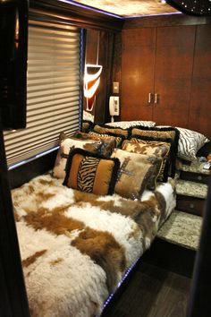 Band Tour Bus Interior   coaches exterior interior star interior band wraps leasing for sale ...