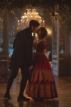 Princess Victoria ( Jenna Coleman) and Prince Albert (Tom Hughes) Victoria Itv, Victoria Series, Reine Victoria, Victoria And Albert, Queen Victoria, Princess Victoria, Moda Medieval, Little Dorrit, Medieval Clothing