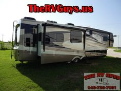Stunning Style And Regal Class In A Residential 5th Wheel! 36ft 2014 Red...