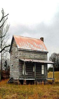 .such a tiny house & yet they were filled to the rafters with family!