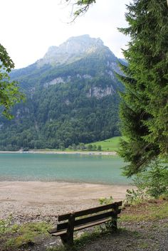 Klöntalersee – Glarus , Switzerland