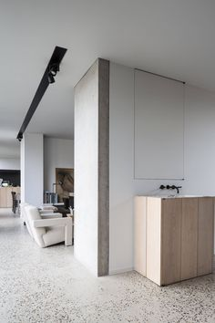 I'm in love with this contemporary barn conversion and the modern rustic kitchen with minimal lines and chunky wooden fronts. Granite Flooring, Terrazzo Flooring, Concrete Floors, Concrete Wall, Concrete Furniture, Urban Furniture, Plywood Floors, White Concrete, Kid Furniture