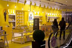06c4e2796f Selfridges' Yellow Shop full of Pantone 109 goodness - London - May 2012