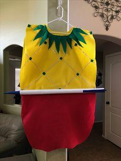 Pen-Pineapple-Apple-Pen Halloween costume.