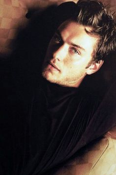 Dear Jude Law, please marry me! Jude Law, Pretty People, Beautiful People, Actrices Hollywood, British Actors, British Boys, Hot Actors, Famous Men, Attractive Men