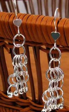 The Beading Gem's Journal: How to Make Easy Chain Maille Earrings Tutorials Jump Ring Jewelry, Metal Jewelry, Beaded Jewelry, Jewellery, Dyi Earrings, Handmade Jewelry Box, Earring Tutorial, Jewelry Making Tutorials, Designer Earrings