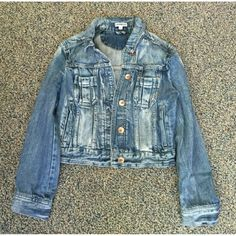 Express Denim Jacket In excellent condition, nothing wrong with it! Let me know if you have any questions Express Jackets & Coats Jean Jackets