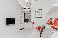 21 sqm white studio
