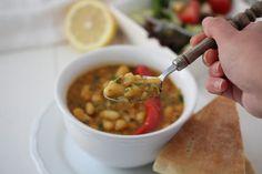 Loubia in tomatensaus – Kookhoekje van Xfaatje Vegan Soup, Middle Eastern Recipes, Arabic Food, Chana Masala, Soup Recipes, Nom Nom, Meat, Ethnic Recipes, Foodies