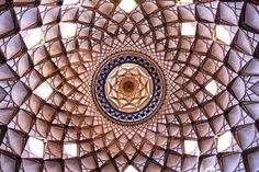.Āghā Bozorg Mosque (Persian: مسجد آقا بزرگ – Masjed-e Āghā Bozorg) is a historical mosque in Kāshān, Iran. The mosque was built in the late 18th century by master-mimar Ustad Haj Sa'ban-ali, the mosque and theological school (madrasah) is located in the center of Kāshān. Agha Bozorg Mosque was constructed for prayers, preaching and teaching sessions held by Molla Mahdi Naraghi II, known as Āghā Bozorgh.