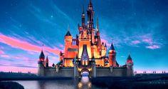 El Castillo de DISNEY oculta un secreto detrás de sus PAREDES. ¡9 increíbles fotos! http://eslamoda.com/el-castillo-de-disney-oculta-un-secreto-detras-de-sus-paredes-9-increibles-fotos