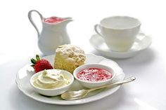 Chocolate Strawberry Desserts, Strawberry Cream Cakes, Strawberry Fruit, Lemon Desserts, Strawberries And Cream, Dessert Recipes, Scone Mix, Cake Wallpaper, Savory Scones
