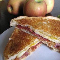 Grilled Bacon Apple Sandwich