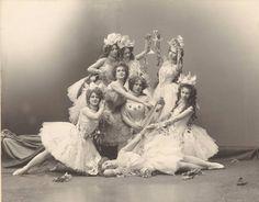 "Lyubov Roslavleva as Venus and chorus in a scene from A. Simon's ballet ""Stars"" C. Fischer's Photography Bolshoi Ballet, Ballet Dancers, Ballerinas, History Of Dance, Imperial Theater, Dancer Photography, Vintage Ballerina, Russian Ballet, Gibson Girl"
