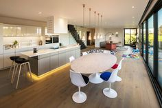 Oxford House Open Plan Kitchen, Dining and Living Areas - Overhead rangehood