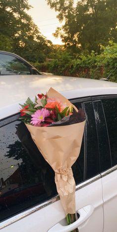 Free Iphone Giveaway, Bloom Where Youre Planted, Flower Aesthetic, Cute Cartoon Wallpapers, My Flower, Instagram Story, Planting Flowers, Flower Arrangements, Beautiful Flowers